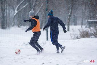 Зима пришла в Россию: этот день выдался по-настоящему снежным и ветреным! Обзоры игр группы В1