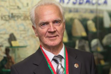 Виталию Раздаеву 73 года
