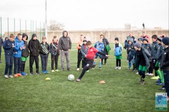 Юные профессиональные футболисты соревнуются в Севастополе