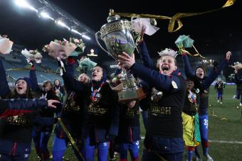 Игроки ЖФК ЦСКА получили золотые медали чемпионата России