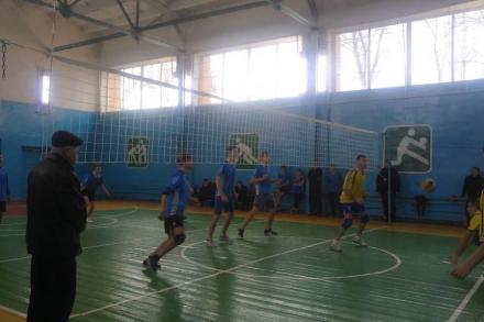 Другий тур чемпіонату Новобузького району з волейболу