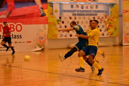 Скорее жив, чем мёртв: мини-футбольный «Кристалл» снова победил