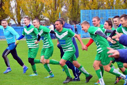 «ФК им. Тура» обыграл «моряков» и вышел на второе место, Барсуков сделал хет-трик и догнал Приёмова