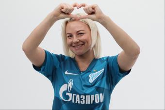 Футболистка ФК «ЗЕНИТ» показала упражнения для участников PETERSBURG CUP