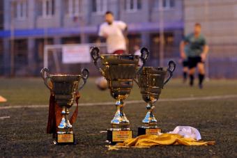 «Офисмаг» второй год подряд завоевывает летний суперкубок по футболу
