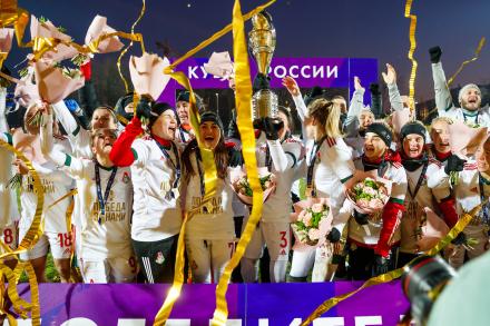 «Локомотив»: первый трофей «железнодорожниц»