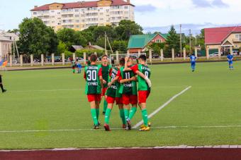 «Локомотив» разгромил на своём поле «Арктику»